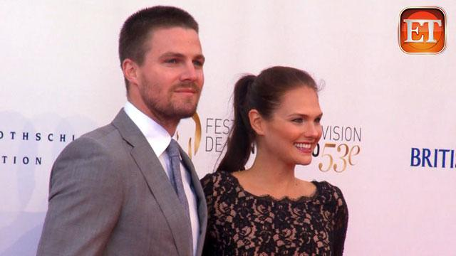 ETonline: Stephen Amell Talks Fatherhood