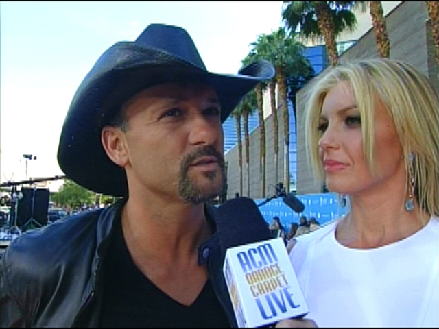 ACMA 45 - Orange Carpet Interview: Faith Hill and Tim McGraw