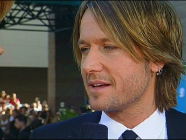 ACMA 45 - Orange Carpet Interview: Keith Urban