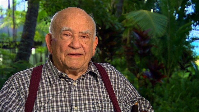 Hawaii Five-0 - Ed Asner Guest Stars