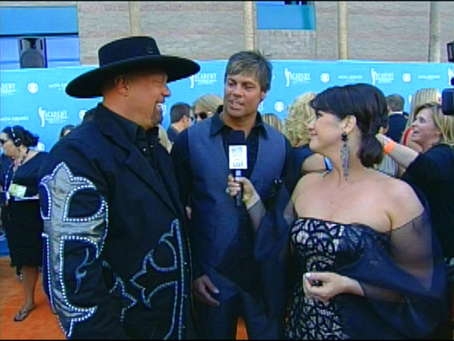 ACMA 45 - Orange Carpet Interview: Montgomery Gentry