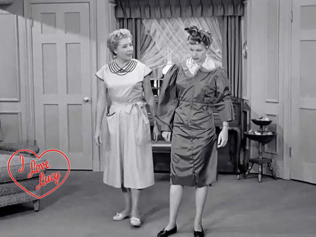 I Love Lucy - Lucy Makes Her Own Dress