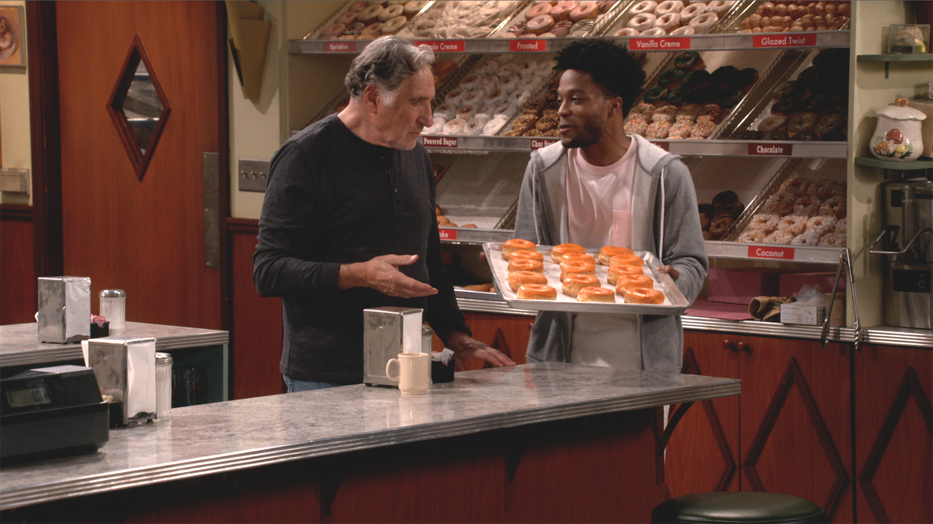 Watch Superior Donuts Season 1 Episode 2: What's the Big Idea? - Full show  on CBS All Access