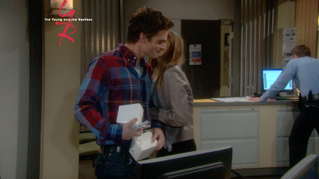 The Young and The Restless - Next On Y&R (12/3/2013)
