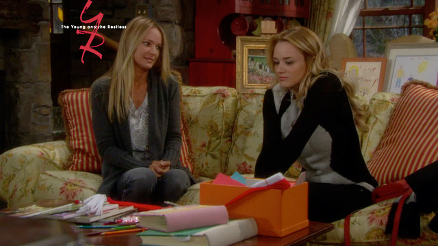 10298. The Young and the Restless - 12/3/2013