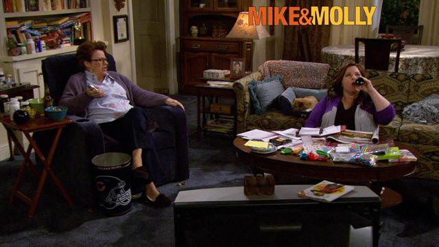 Mike &amp; Molly - Planning the Party
