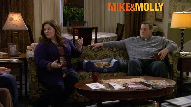 Mike &amp; Molly - Get Me Out of Here!