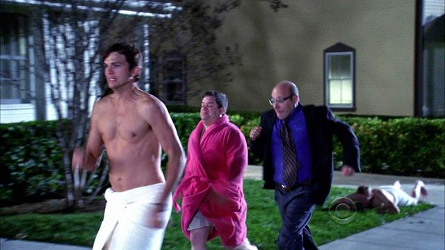 Two and a half men - Run, Steven Staven! Run!