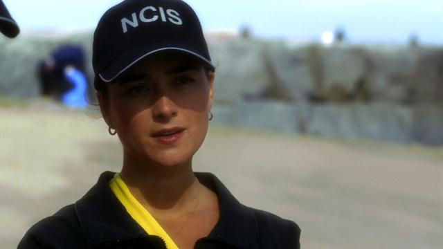 Watch NCIS – Lost At Sea Online S10E04