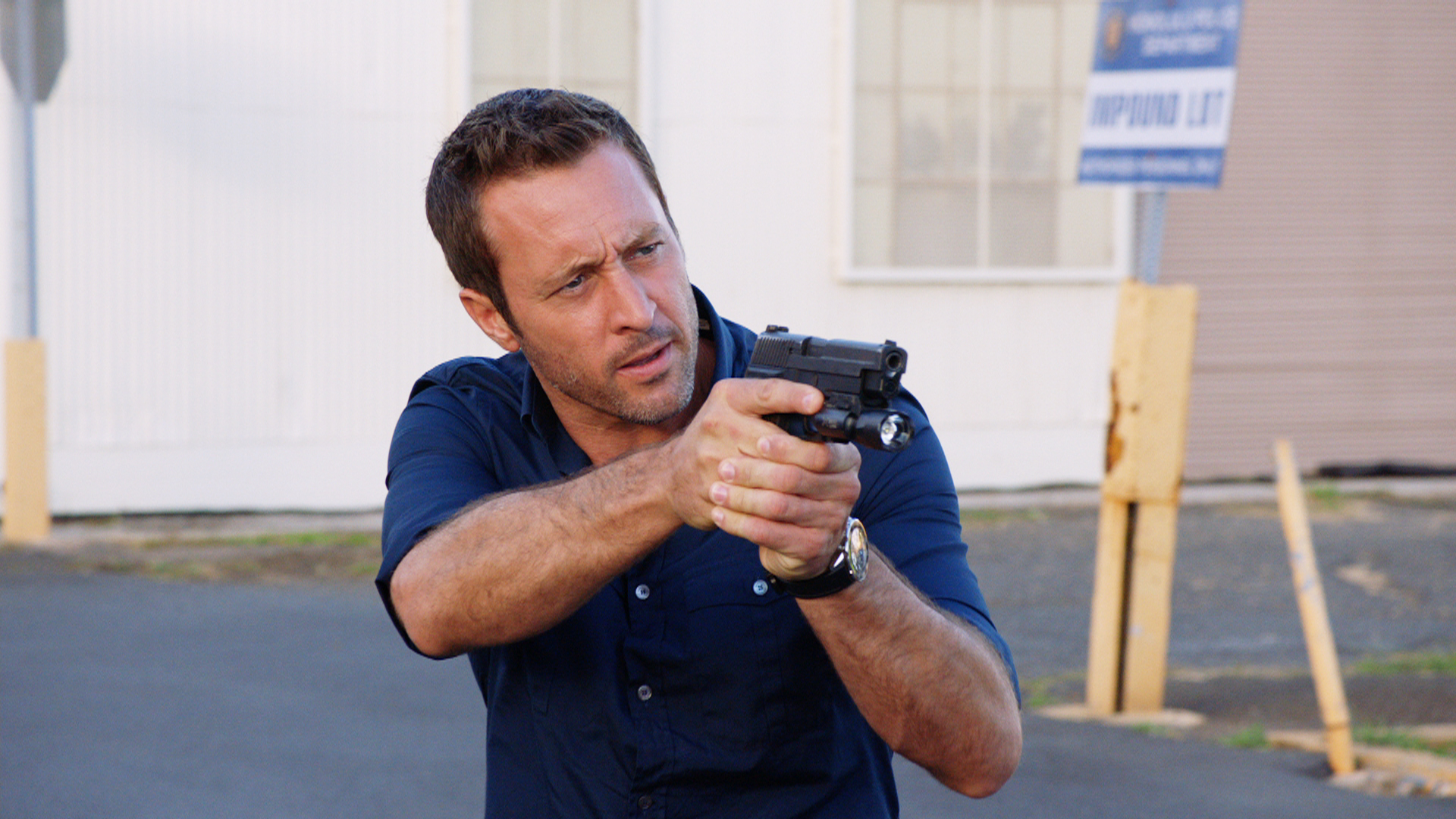 Watch Hawaii Five-0 Season 7 Episode 9: Elua la ma Nowemapa - Full show on  CBS All Access