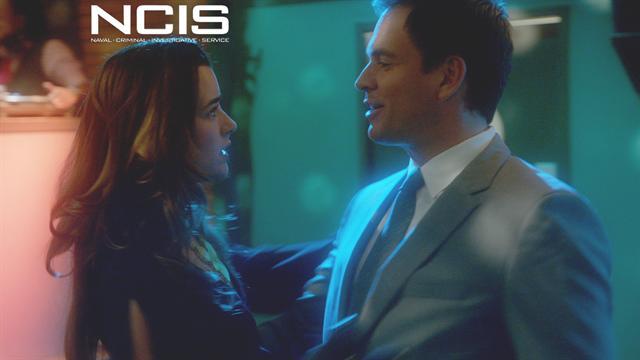 NCIS - Tony and Ziva Slow Dance