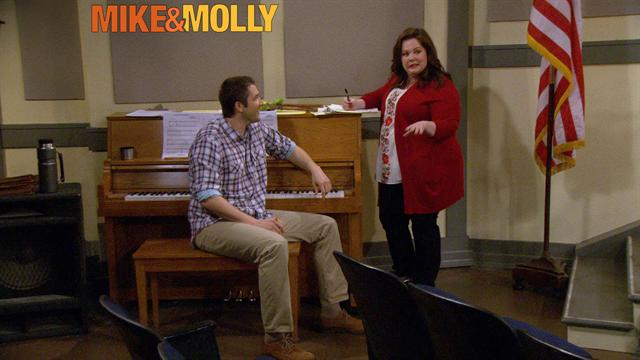 Mike &amp; Molly - Old McDonald Had a Farm