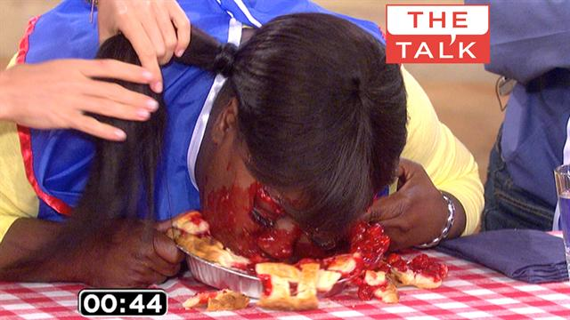 The Talk - Pie Eating Contest