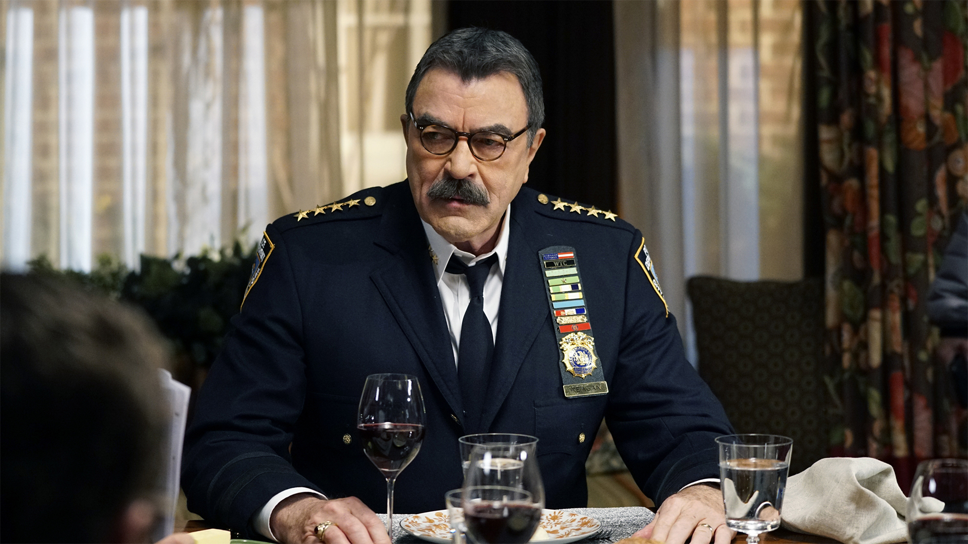 Watch Blue Bloods Season 8 Episode 18 Friendship Love And Loyalty Full Show On Cbs All Access