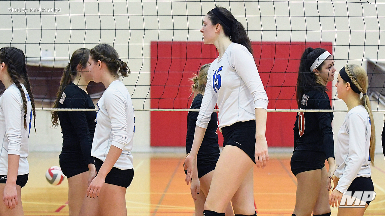 At 6 Foot 8 Illinois High School Volleyball Player Dana Rettke Has No Ceiling Maxpreps