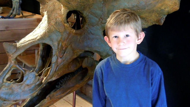 CBS Evening News: On the Road: 9-year-old applies to be museum curator