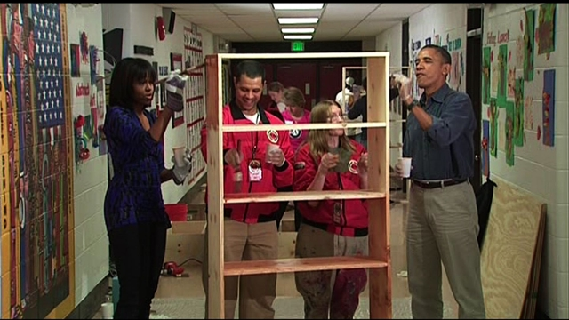 Politics: Obamas participate in National Day of Service
