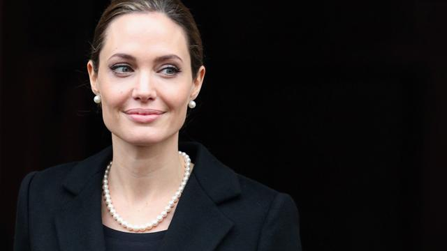CBS Evening News: Angelina Jolie highlights the trauma of double mastectomy