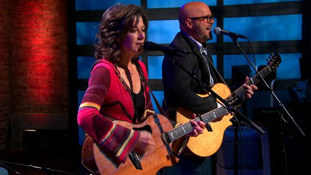 CBS This Morning : Saturday: Second Cup Cafe: Amy Grant sings 