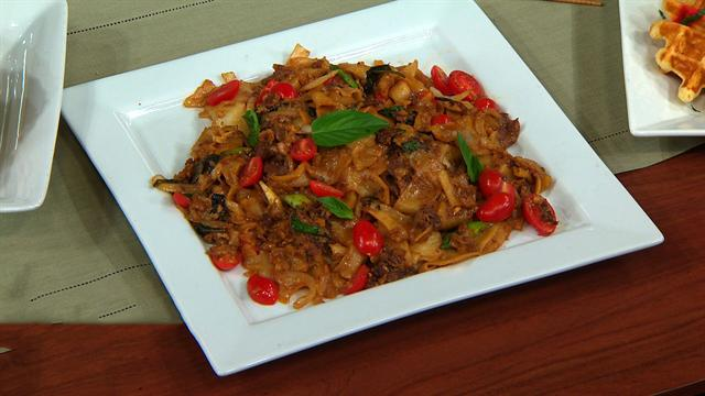 CBS This Morning : Saturday: THE DISH: Chef Jet Tila's drunken noodles