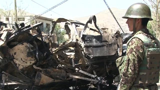 CBS This Morning: Suicide car bomber attacks NATO convoy in Afghanistan