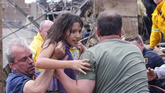 U.s.: Tornado rescue workers fear dozens of kids trapped in rubble