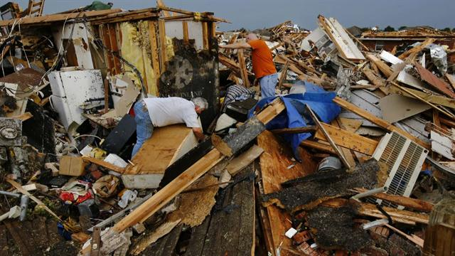 CBS Evening News: Inspiring stories emerge from destruction in Oklahoma