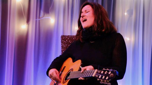 Paula Cole performs