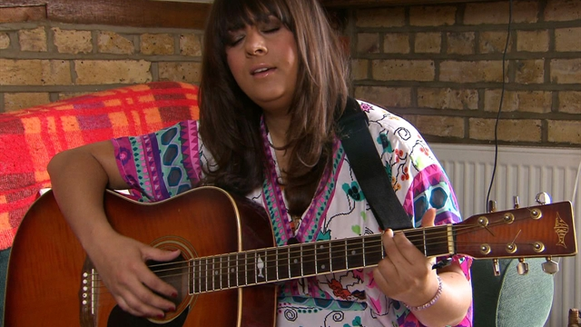 Rumer performs Aretha