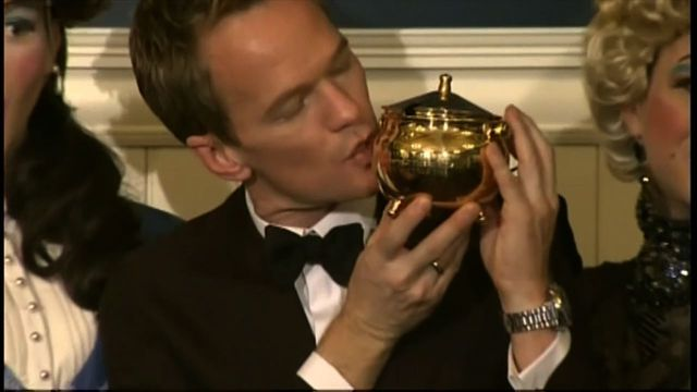 Neil Patrick Harris accepts Hasty Pudding award