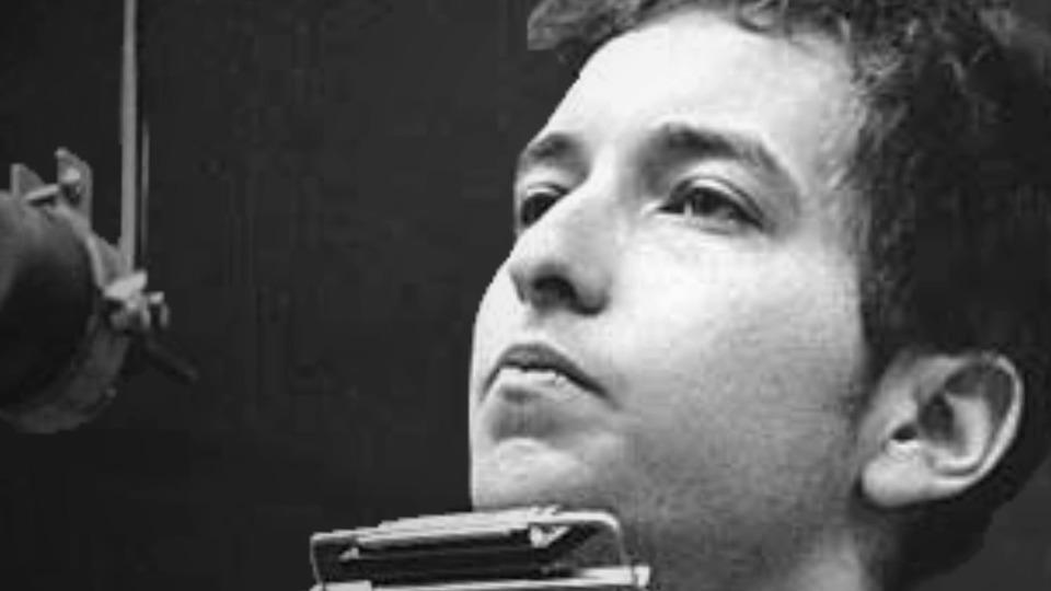 Bob Dylan Lays Down His Classic
