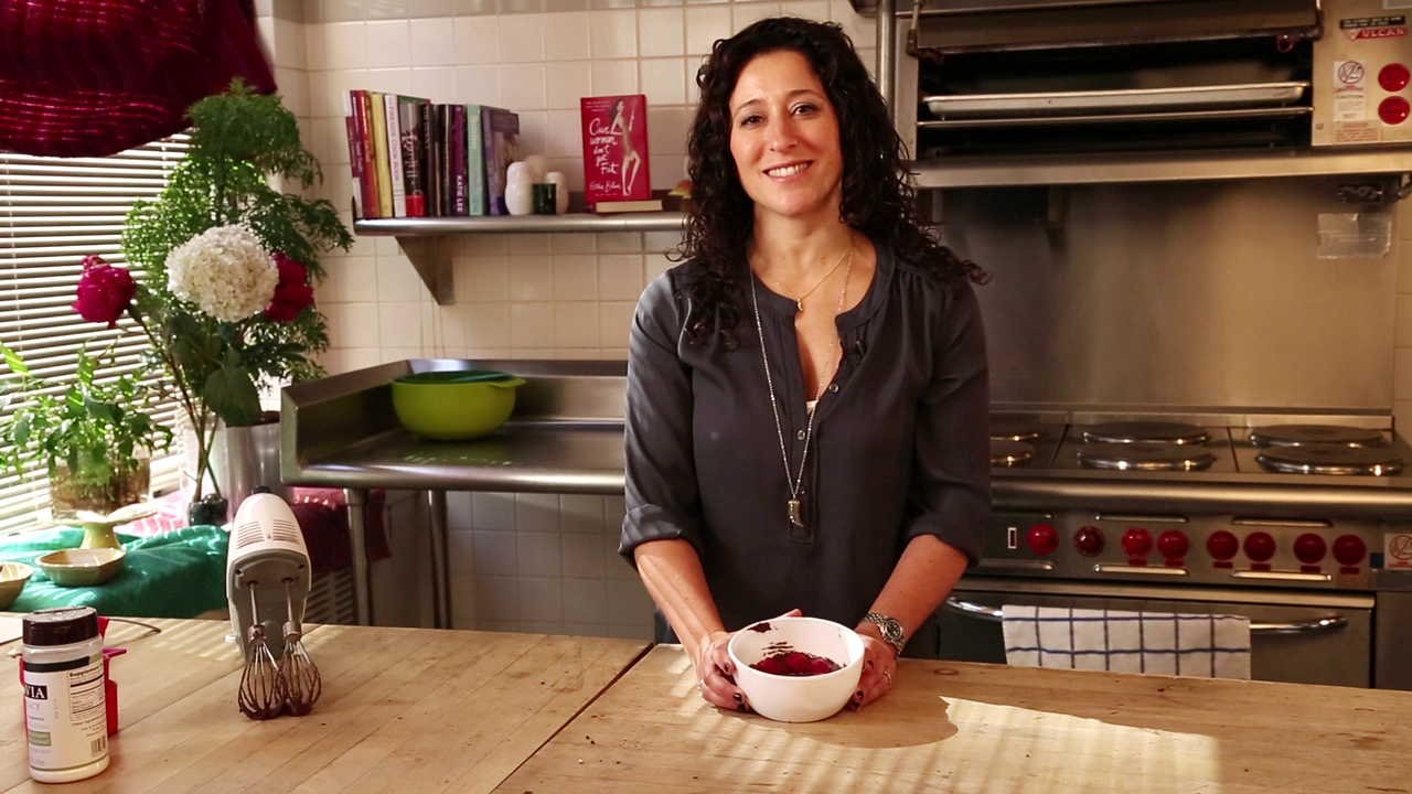 Paleo friendly desserts with CAVEWOMEN DON'T GET FAT author Esther Blum