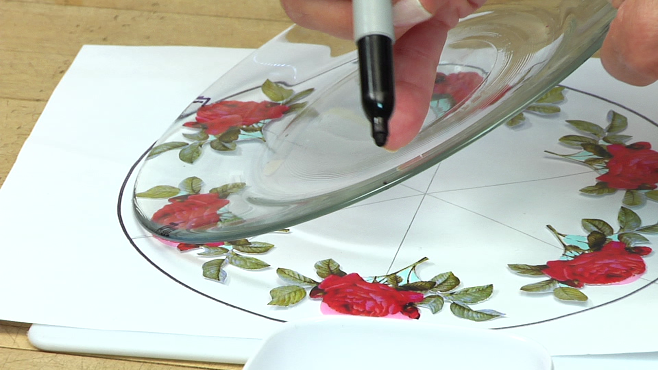 How-To Make Holiday Decoupage Plates