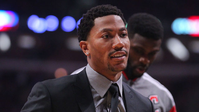 Should Derrick Rose be more active in recruiting players for the Bulls?
