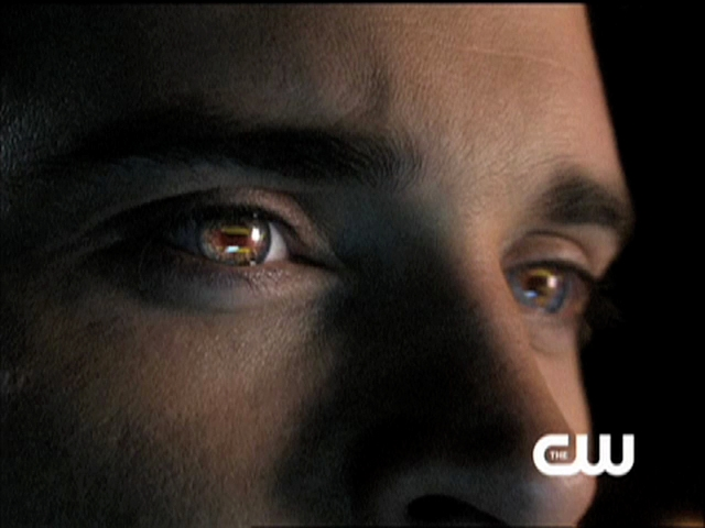 Smallville Trailer - Never Surrender