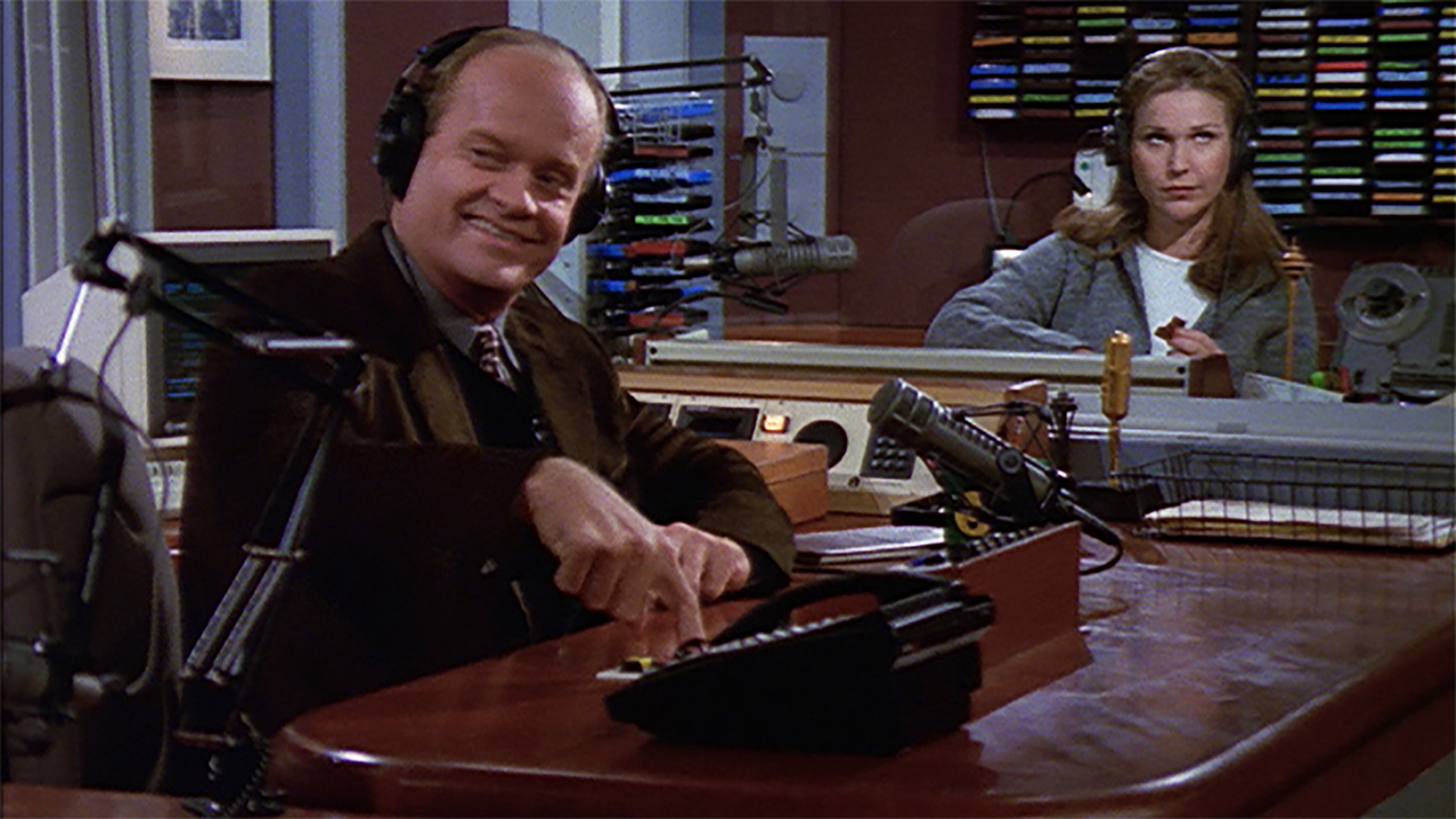 Watch Frasier Season 5 Episode 17: The Perfect Guy - Full show on CBS All  Access
