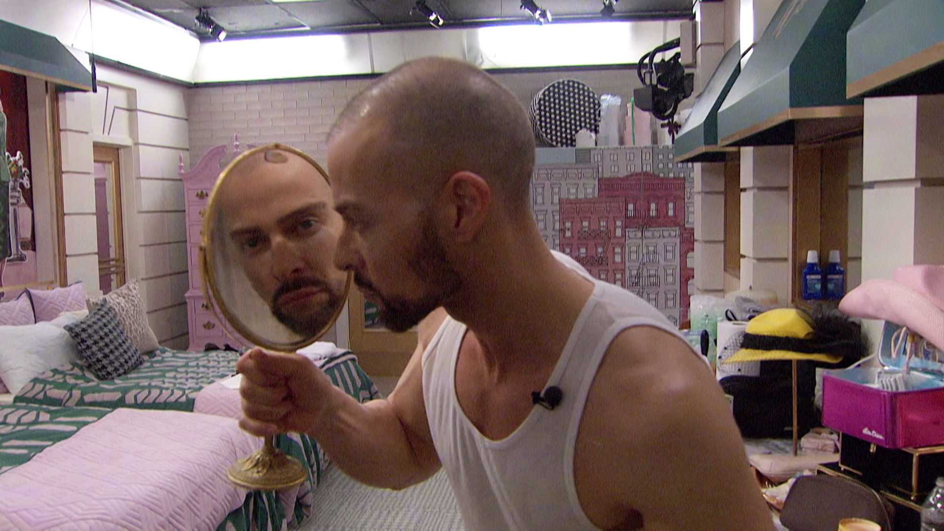 Watch Celebrity Big Brother Season 2 Episode 4: Episode 4 - Full show on  CBS All Access