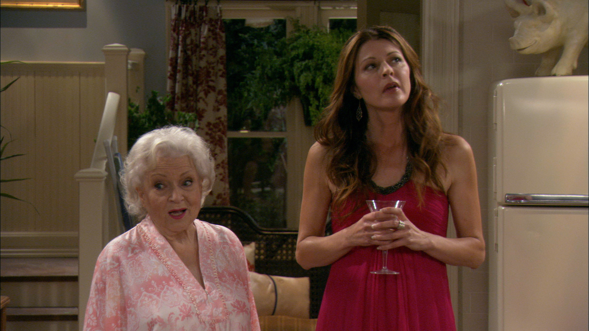 Watch Hot In Cleveland Season 1 Episode 2 Who S Your Mamma Full Show On Cbs All Access