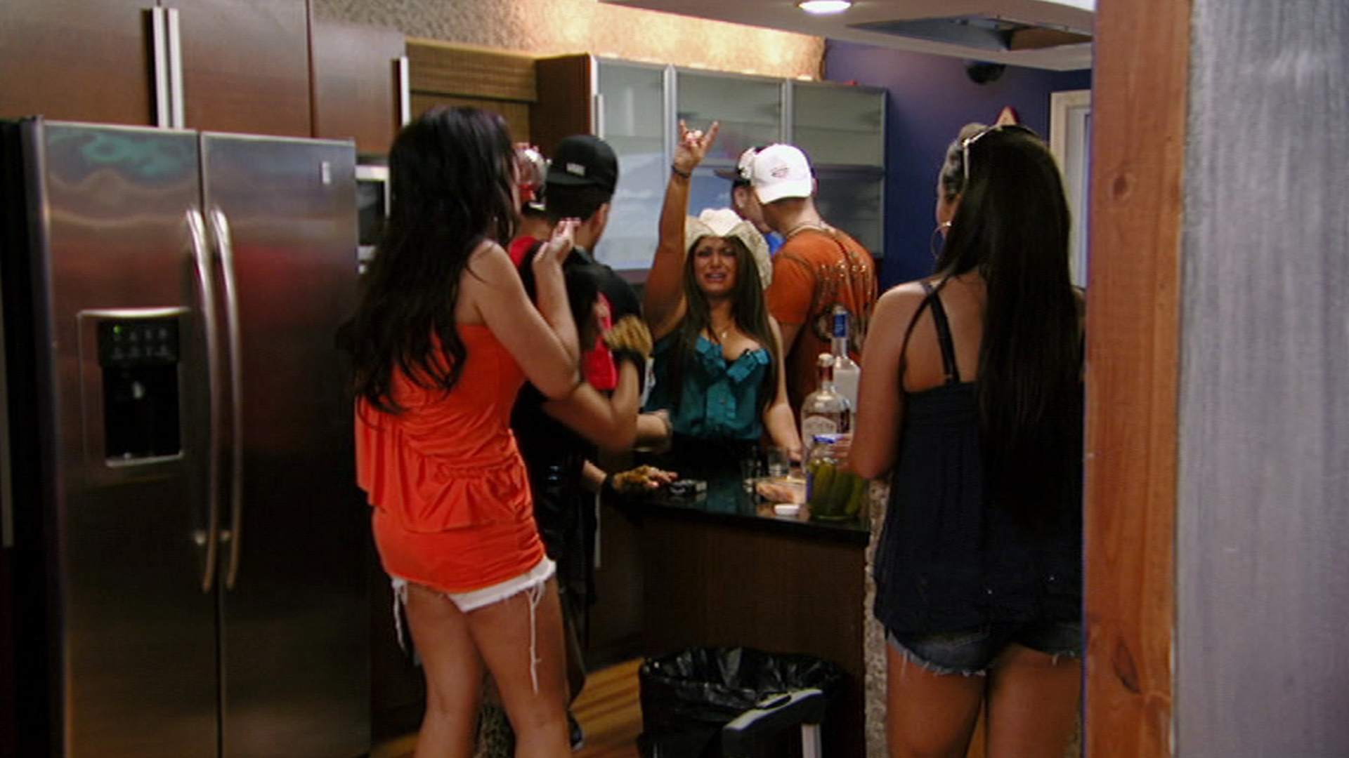 Watch Jersey Shore Season 6 Episode 1: Once More Unto the Beach - Full show on Paramount Plus