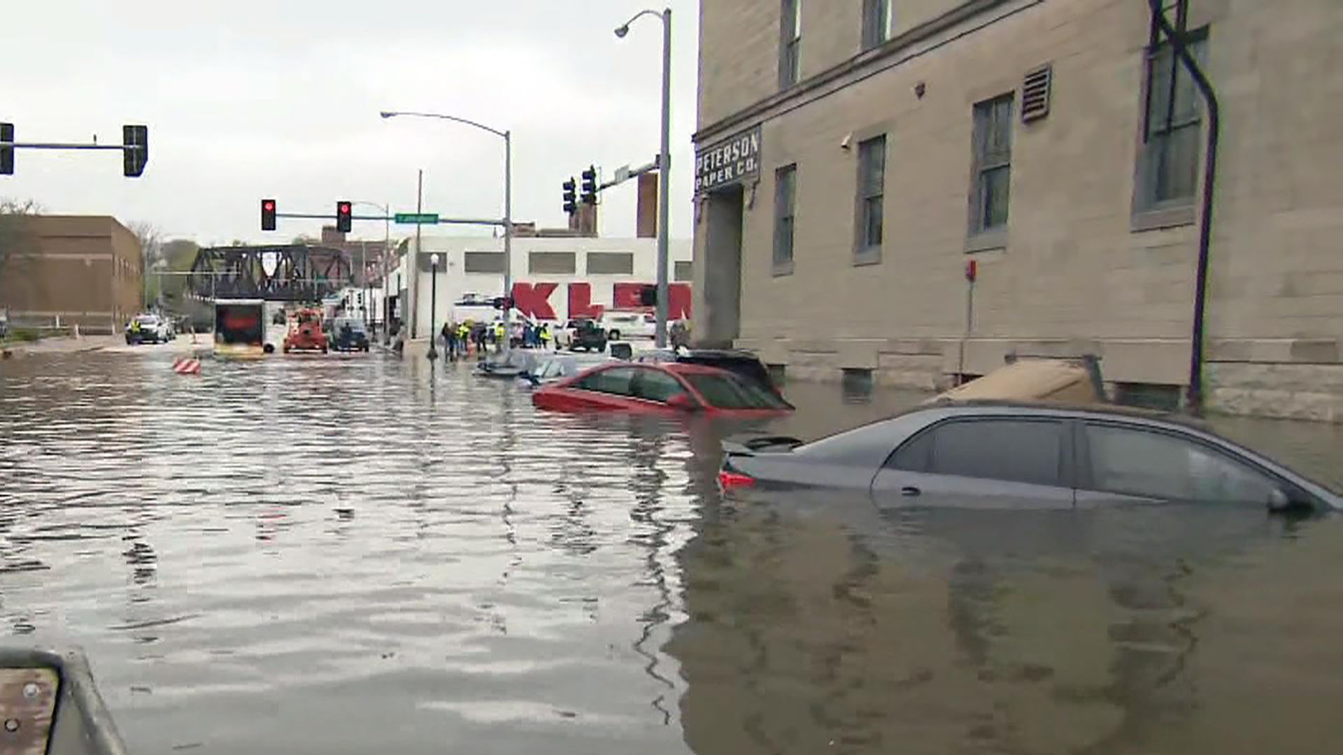 Midwest flooding forces evacuations