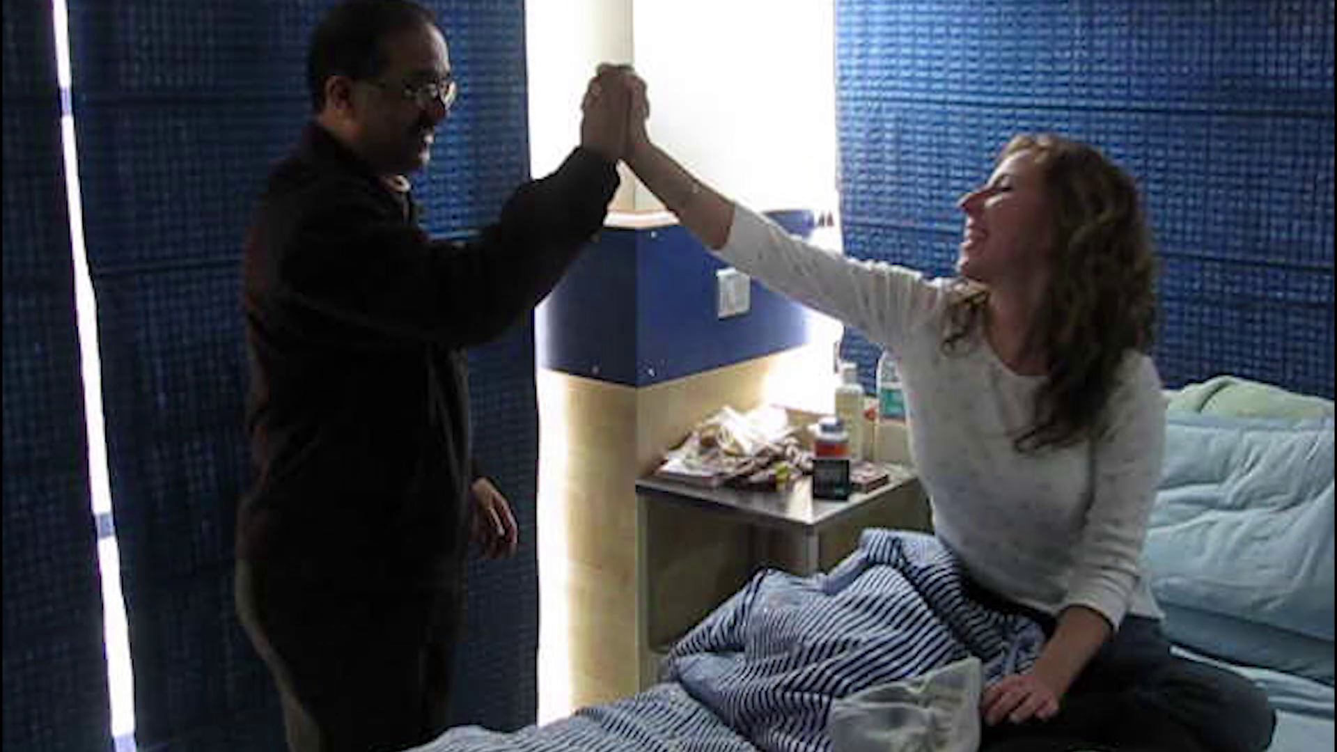 This Woman Flies To India to Undergo Experimental Treatment for Lyme Disease