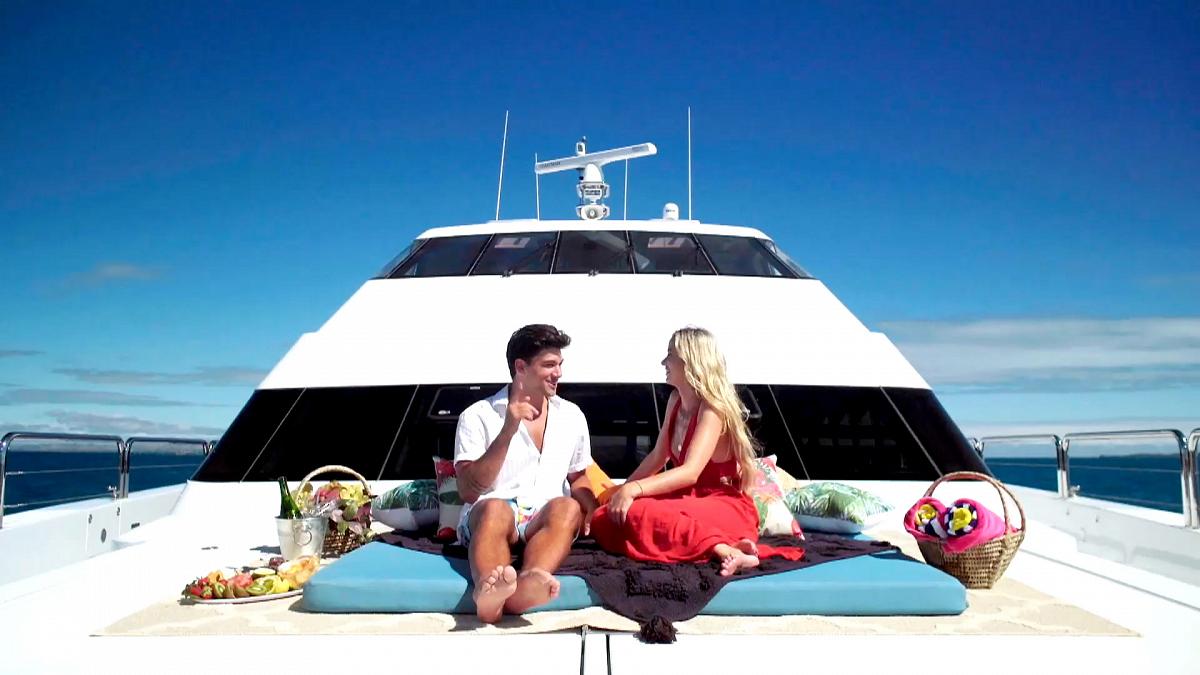 Watch Love Island: Love Island USA: Zac Utters Those Three