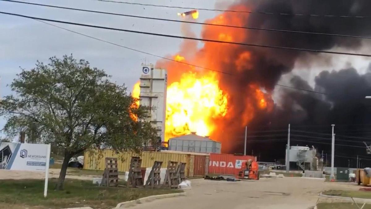 Texas warehouse fire in Houston releases hazardous