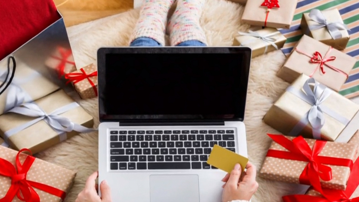 Watch CBS This Morning: Pandemic changes holiday spending habits - Full show on CBS All Access