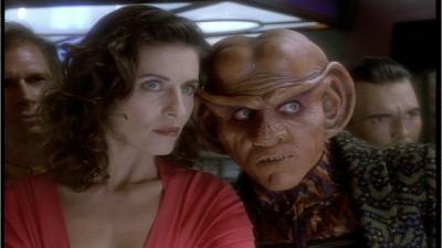 Star Trek: Deep Space Nine - Q-Less