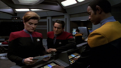 Star Trek: Voyager - Heroes And Demons