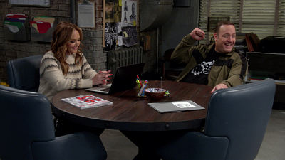 Kevin Can Wait - Kevin Can Wait Blooper Reel (S2, Vol. 4): Kevin James And Leah Remini Keep Cracking Each Other Up