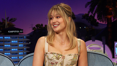 The Late Late Show with James Corden - Melissa Benoist Has the Turkey of All Turkeys