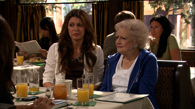 Hot in Cleveland - Good Luck Faking the Goiter