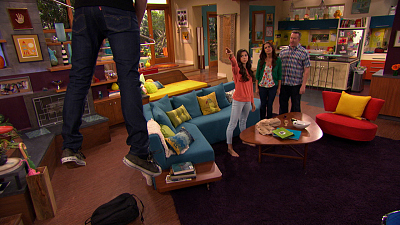 The Thundermans - Phoebe vs. Max